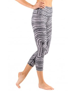 Yoga Democracy Misss-Behave Cropped Legging